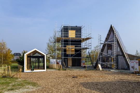 tiny houses in aanbouw.jpg